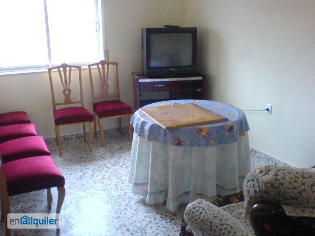 Alquilo vivienda 4 dormitorios con electrodomesticos foto 0
