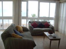 Alquilo apartamento en 1� l�nea de playa