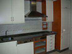 Piso de 3 habitaciones y 2 plazas garaje (zona norte)