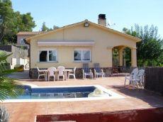 Casa amueblada en una planta con piscina