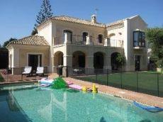 Villa en Casasola