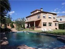 Villa con lago propio en Nueva Andaluc�a