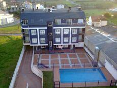 �tico nuevo con terraza y piscina