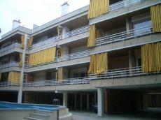 Apartamento playa con piscina y parking