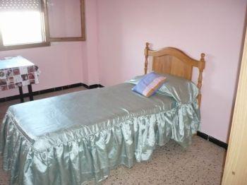 Piso amplio amueblado de 4 dormitorios foto 1