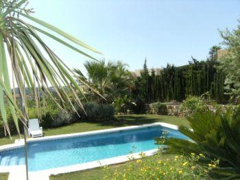 Villa con excelentes calidades foto 2