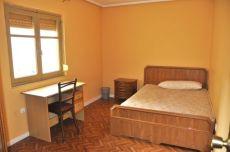 Estudiantes. 3 dormitorios. Amueblado.