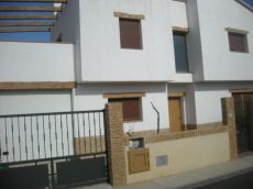 Casa de 4 hab nueva construcci�n