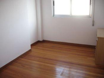 Piso de 2 dormitorios sin amueblar con terraza foto 1