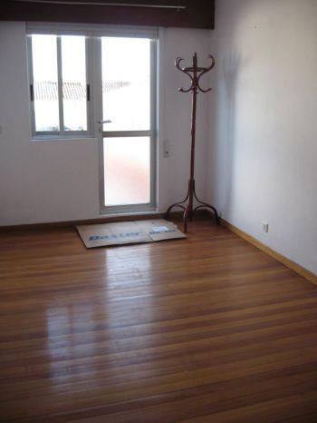 Piso de 2 dormitorios sin amueblar con terraza foto 2