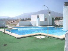 Piso muy luminoso puerto deportivo piscina y parking