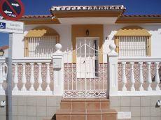 Casa nueva, muy equipada con terraza 40 m2