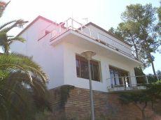 Casa de 250m2 con 5 habitaciones