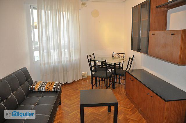 Alquilo piso de 1 dormitorio con muebles junto a calle mayor foto 0