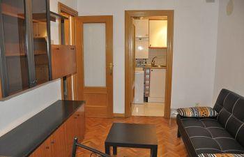 Alquilo piso de 1 dormitorio con muebles junto a calle mayor foto 1