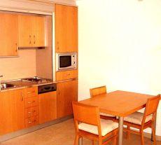 Aparamento 1 hab mas terraza de 7 m2 muebles y electrodomest