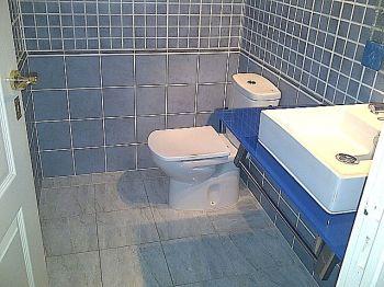 Indioteria bonito piso reformado sin muebles foto 1
