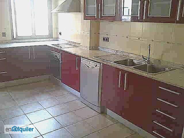 Indioteria bonito piso reformado sin muebles foto 0