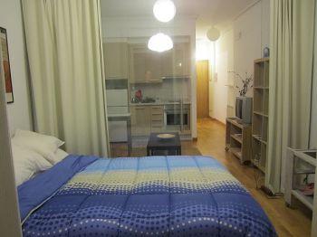 Alquilo estudio zona alameda. Dividido 1 dormitorio precioso foto 0