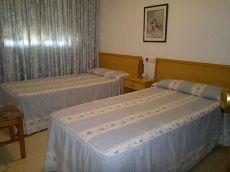 Se alquila piso de 2 dormitorios 1 ba�o