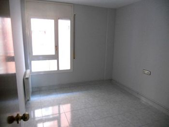 Alquiler piso calefaccion y ascensor Lleida foto 1