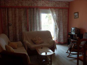 Piso de tres dormitorios y piscina en san pedro - Sal�n