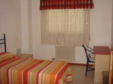 Apartamento de 2 dormitorios en residencial con piscina