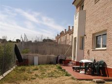 Chalet en segurilla con 150 m de patio. 3 hab, 3 ba�os