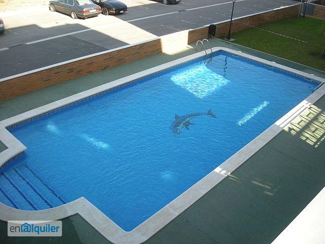Piso de 3 habitaciones, piscina, parking y z. Comunitaria.