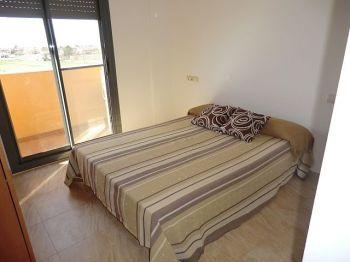 Piso de 3 habitaciones, piscina, parking y z. Comunitaria. foto 2