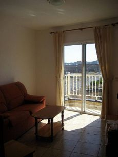 Estupendo piso de 1 habitaci�n, muy c�ntrico. San Isidro.