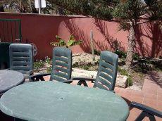 Amplio chalet pareado, terraza 50 m. Y jard�n. Las Rosas