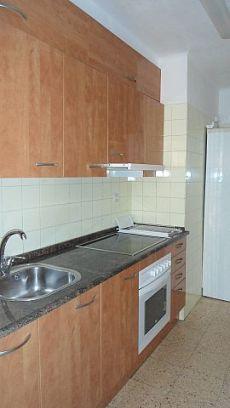 Se alquila piso sin muebles, pintado y ventanas de aluminio