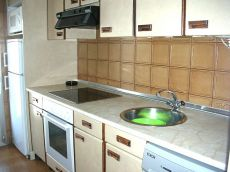 Piso de 3 habitaciones, sal�n, cocina y ba�o en la txantrea