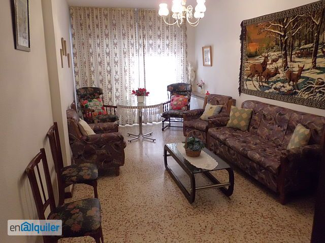 Zona calle calatrava piso de 4 dormitorios ideal for Alquiler pisos ciudad real