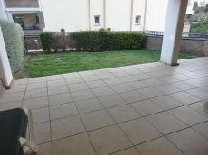 Bajo con amplia terraza y jardin privado