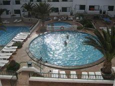 Alquiler de piso de 1 hab, en residencial con piscina.