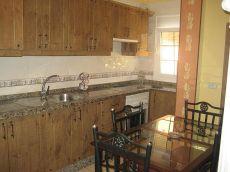 2 habitaciones, lavadero en azotea. Guargacho