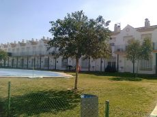 Alquilo vivienda en Urbanizaci�n el Santiscal