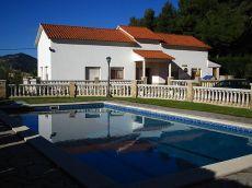 Casa en una planta con garaje, piscina y jardin de 1. 300m2