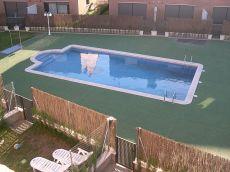 Preciosa casa adosada con jard�n privado y piscina