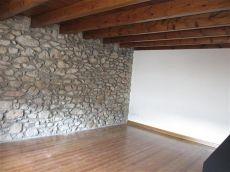 Das casa de piedra en alquiler