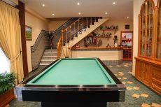 Aeropuerto: casa 6 dormitorios con piscina