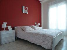 Se alquila bonita casa en B�jar soleada y tranquila