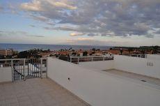 Adosado d�plex, terraza con vistas al mar, garaje, piscina