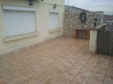 Atico de 2 hab con terraz�n y calefaci�n incluida