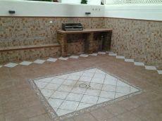 Amplio adosado recientemente reformado, patio 40 m2, piscina
