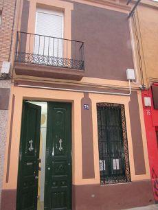 Casa 200 metros, 5 habitacioines, balc�n, terraza y patio