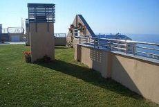 Centrico con garaje y piscina, vistas al mar