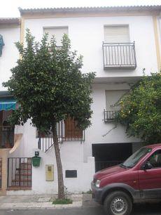 Casa adosada en calle Mandarina, magn�fica ubicaci�n